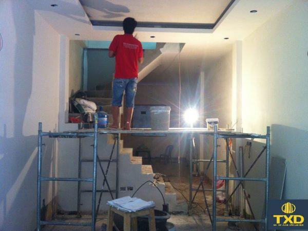 Mẹo sơn tường tránh hiện tượng loang ố màu